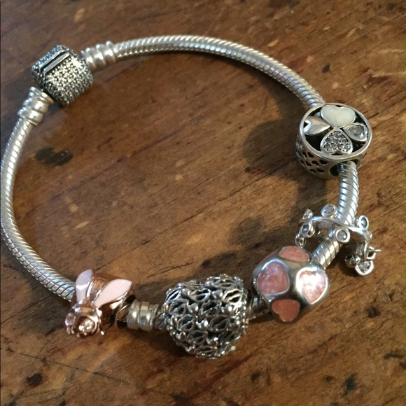 Pandora pavé bracelet + 5 Pandora charms 18 cm